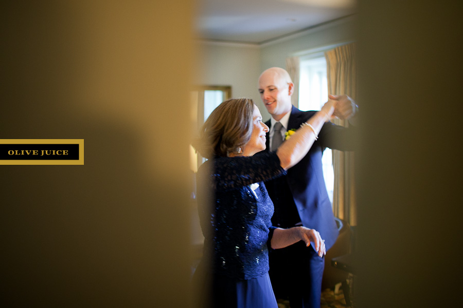 wedding photography by olive juice studios in rochester mn