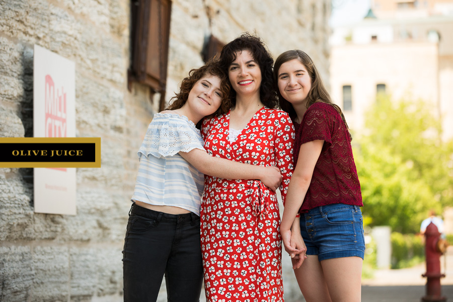 Mom and daughters photograph | Olive Juice Studios -