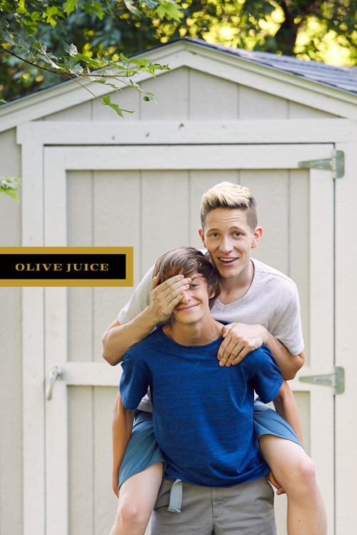 Fun family photographer near me | Olive Juice Studios -