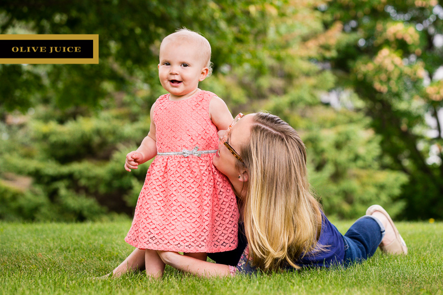 Family and Newborn Photography Rochester MN | Olive Juice Studios -