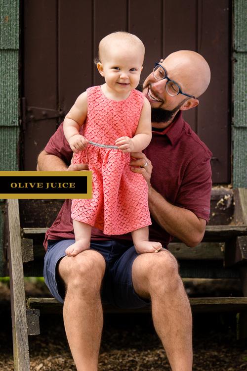Olive Juice Studios - Rochester Minnesota Family and Newborn Photographer -