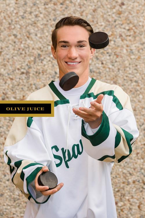 Hockey senior portraits | Olive Juice Studios -