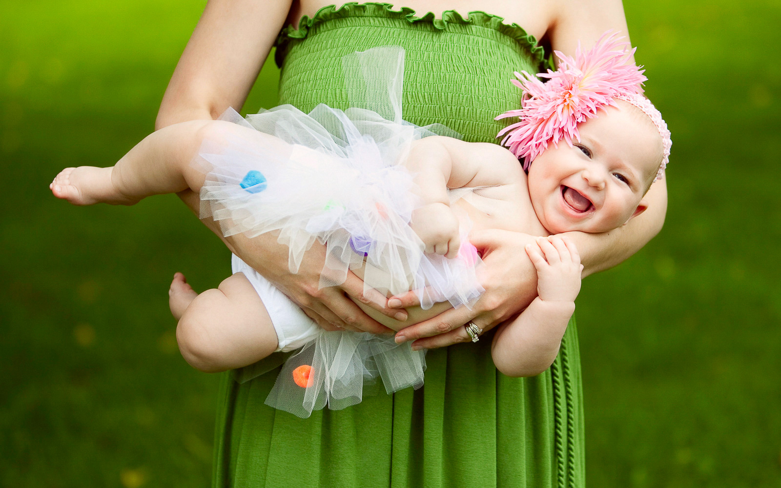 Olive Juice Studios - Rochester MN Newborn and Family Portraits -