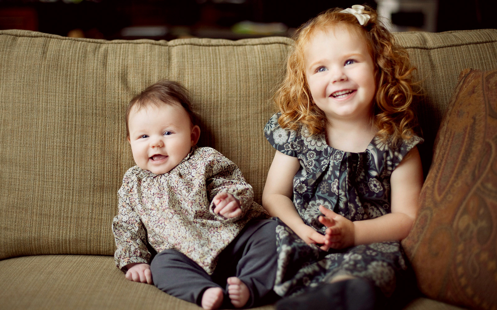 Olive Juice Studios - Rochester MN Newborn and Family Photographs -