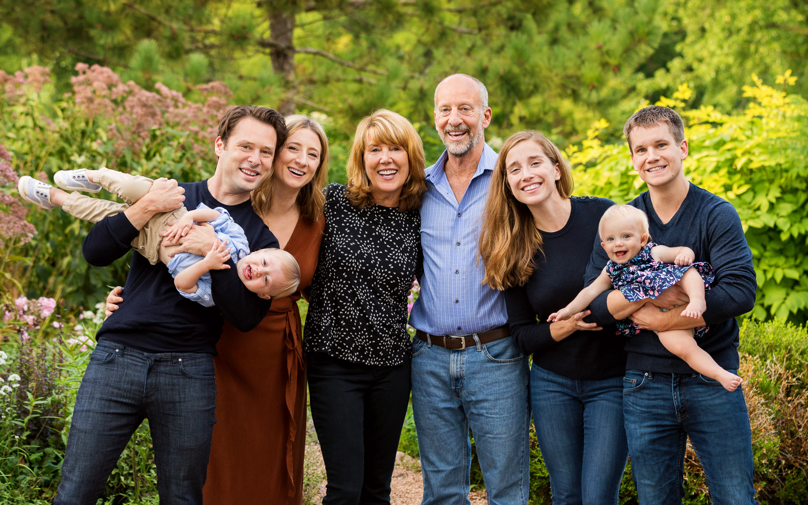 Olive Juice Studios - Rochester MN Family and Newborn Portraits -