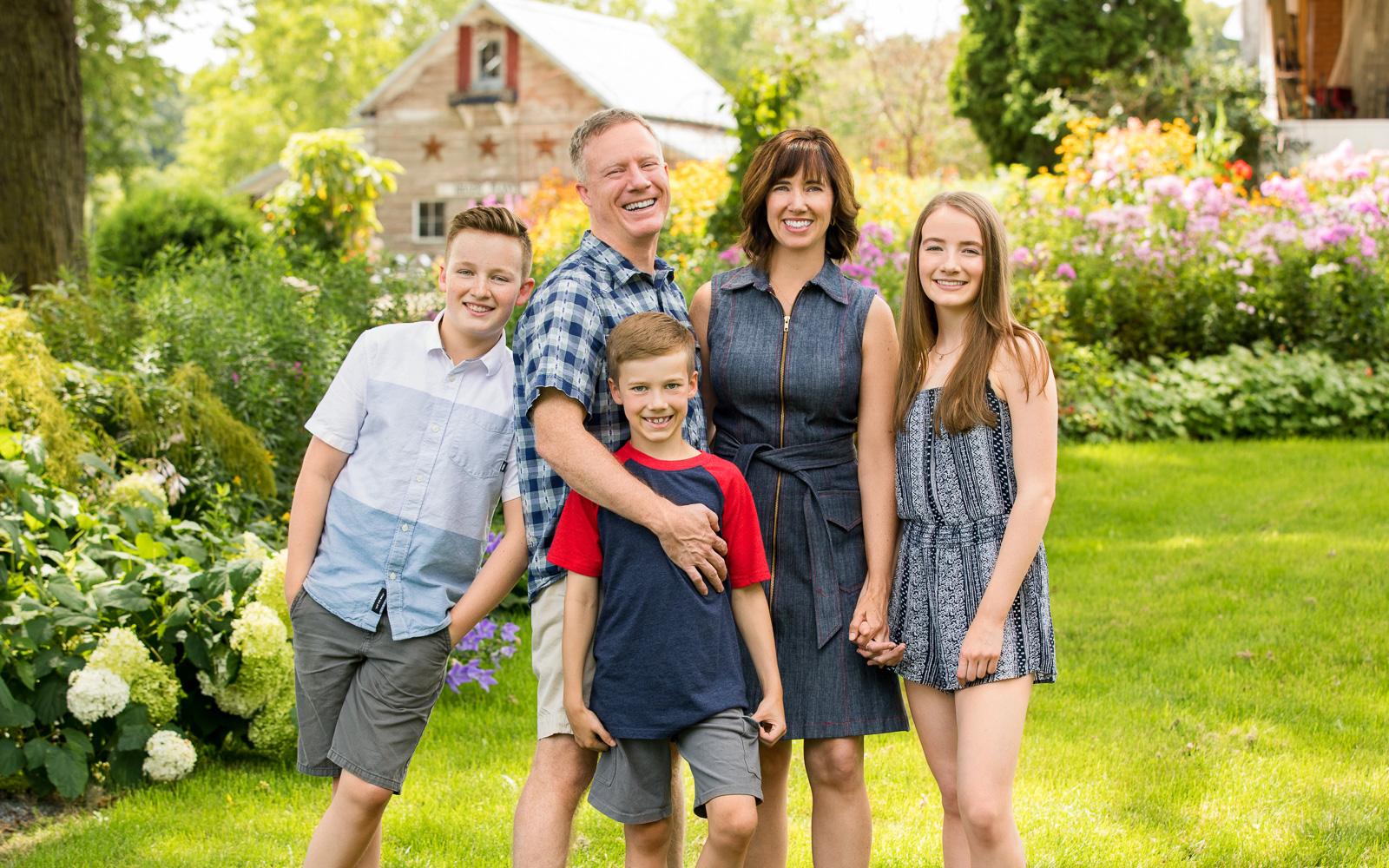 Olive Juice Studios - Rochester Minnesota Family and Newborn Photographs -